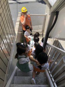 園児が英語で避難訓練するキティインターナショナルスクール二子玉川キンダー